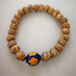 A STAR @ MOON BODHI SEEDS WITH A ClOISENNE bracele